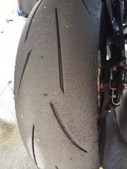 今回からタイヤをメッツラーのレーステックRRに換えてみました