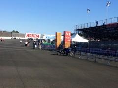 オーバルコースの二輪駐車場です